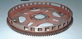Рисунок 4: тональное кольцо может быть частью гибкой пластины.  эта гибкая пластина имеет фирменные выемки для быстрого определения положения двигателя.