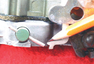 Photo 9: Make sure the secondary throttle lockout disengages when the choke valve opens.